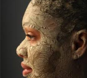 Bentonite Clay Side Effects on Skin & Hair