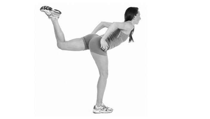 glute-workouts-women-home-kick-backs