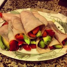 turkey-avocado-roll-up-best-snacks-to-lose-weight