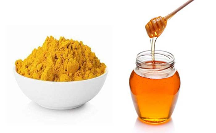 Honey and Turmeric home remedies for green tongue